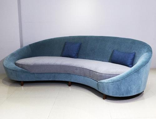 Blue velvet lobby sofa – Hotel lobby furniture